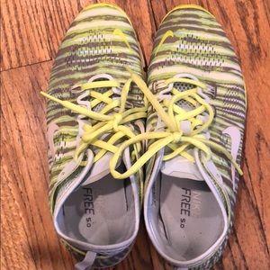 Nice pair of Nike tennis shoe size 7.5